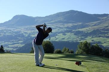 golf nieuws voor zwitserland golfen op de pistes van. Black Bedroom Furniture Sets. Home Design Ideas